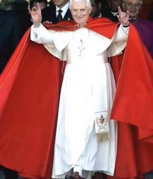 Pope 04.jpg